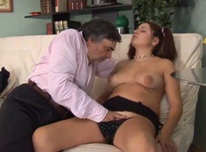 Peliculas porno padre hija gratuitas Pelicula Porno De Incesto Completa De Un Padre Y Su Hija Colegiala
